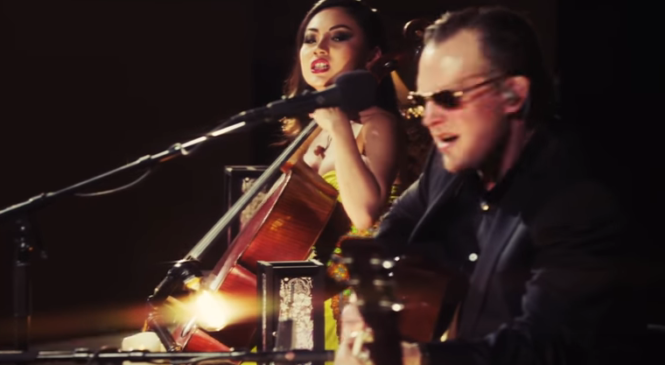 "Joe Bonamassa & Tina Guo – ""Woke Up Dreaming"" – Live From Carnegie Hall: An Acoustic Evening"